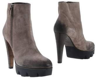 Vic Matié 87 VIC MATIĒ Ankle boots