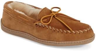 Minnetonka Genuine Shearling Moccasin Slipper
