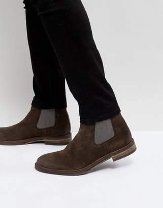 Steve Madden Teller Suede Chelsea Boots In Brown