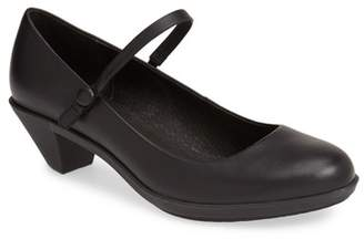 Camper Agatha Mary Jane Pump