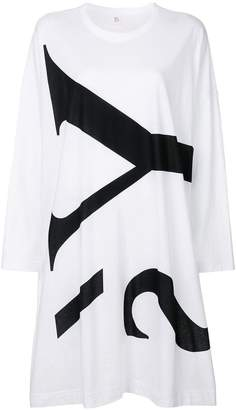 Y's logo print long-sleeved dress