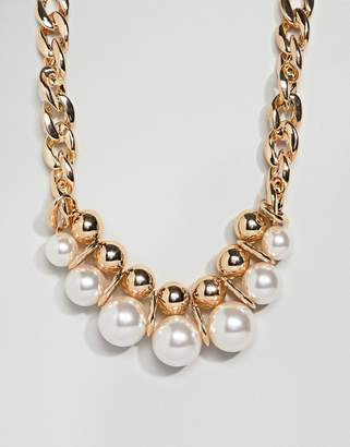 Asos DESIGN statement necklace with large pearls and chunky chain in gold