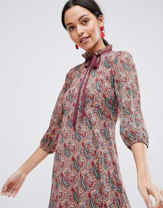 Traffic People Long Sleeve Printed Shift Dress With Bow Detail