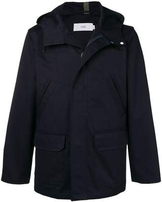 Closed hooded button jacket