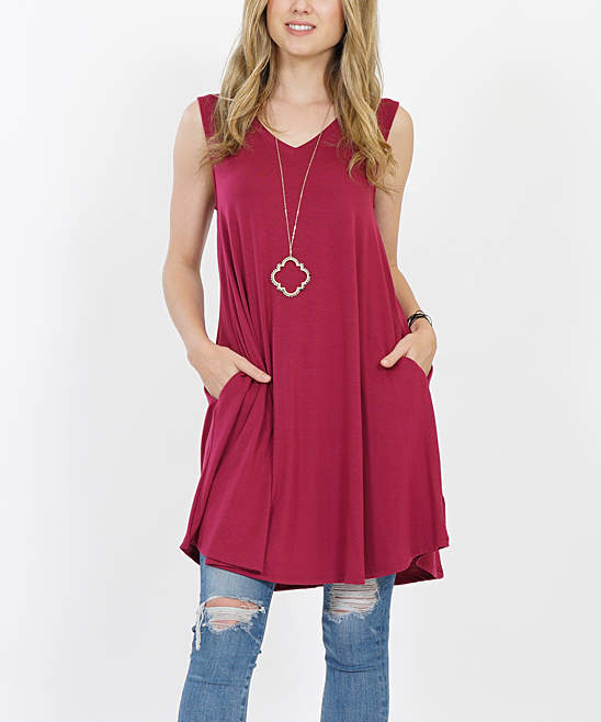 Wine Sleeveless V-Neck Round-Hem Pocket Tunic - Women & Plus