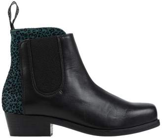 Leather Crown Ankle boots