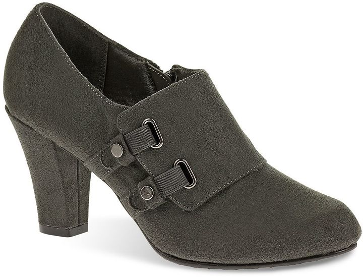 Soft Style by Hush Puppies Callie Women's Shooties