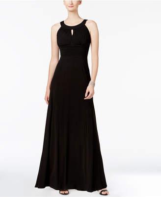 Sangria Sleeveless Keyhole Gown