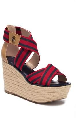 Tommy Hilfiger Theia Fashion Sandal