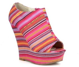 Nature Breeze Tribal Women's Peep Toe Wedge in Fuchsia