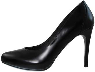 Donald J Pliner Black Leather Pump