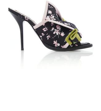 N°21 Bow Sandal