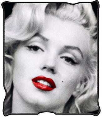 Buffalo David Bitton Marilyn Monroe Silver MR1621 Red Lips Fleece Throw Blanket