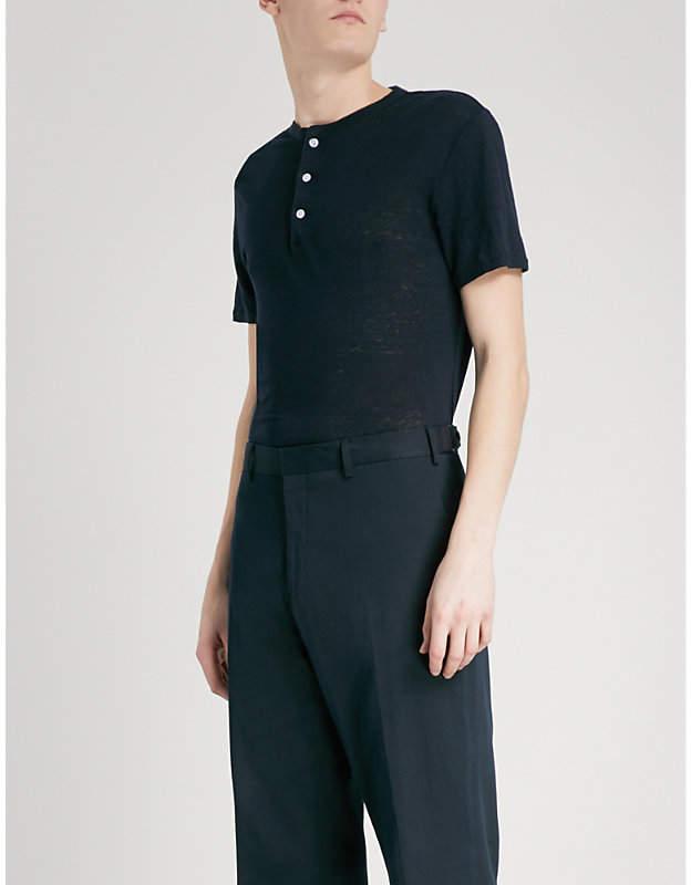 Buttoned linen T-shirt