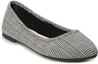 So SO Hitide Women's Pointed Toe Flats
