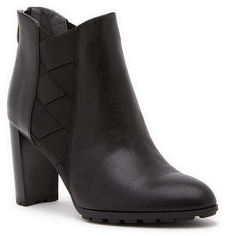 Adrienne Vittadini Trinie Leather Boot