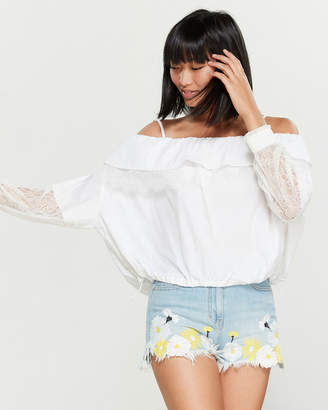 Sjyp Ruffle Lace Long Sleeve Blouse