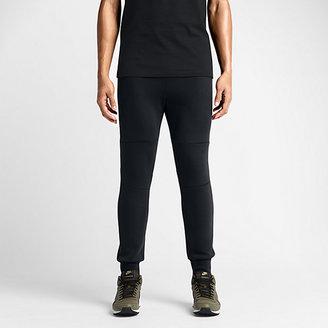 Nike Tech Fleece Men's Pants $100 thestylecure.com