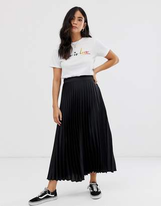New Look satin pleated midi skirt in black