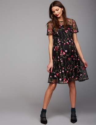 A Pea in the Pod Embroidery Maternity Dress