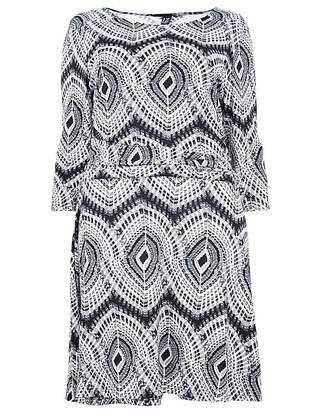 Izabel London Curve Pleated Print Dress