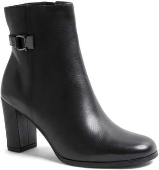 Blondo Kayyla Leather Waterproof Heeled Ankle Booties