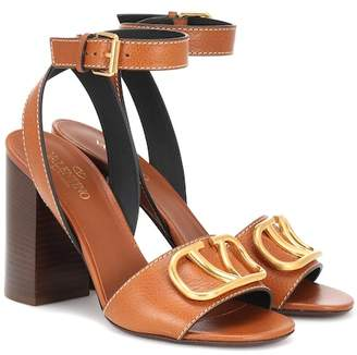 a12c8c2a3b923a Valentino Go Logo leather sandals