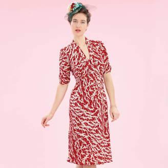 1fe6a629a5219 M·A·C Nancy Mac 1940s Style Party Dress In Ruby Stork Print Crepe
