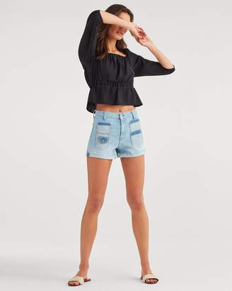 7 For All Mankind Shorts with Patch Pocket and Rolled Hem in Roxy Lights