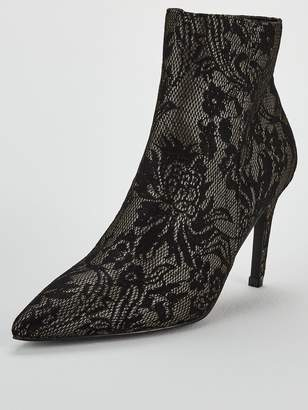 Very Finn Point Ankle Boot - Black Lace