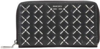 Diesel (ディーゼル) - DIESEL スタッズ ラウンドジップ 長財布 ブラックxホワイト uni