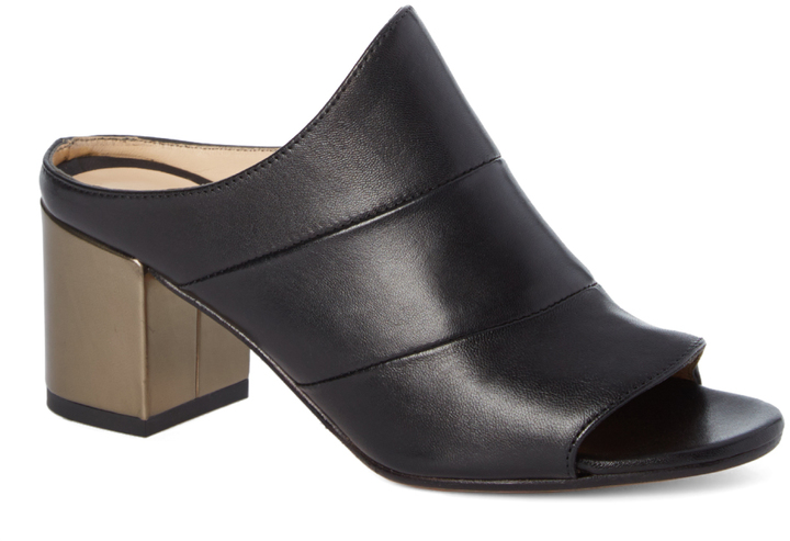 Amalfi By Rangoni Black Peep-Toe Losanna Leather Mule