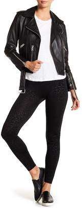 Hue Textured Leopard Seamless Leggings