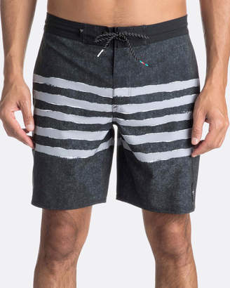 """Quiksilver Mens Madhouse 18"""" Volley Boardshort"""
