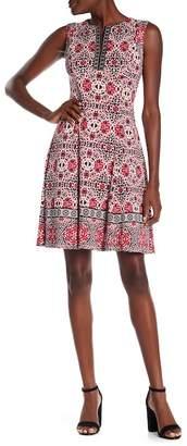 Maggy London Patterned Split Neck Dress