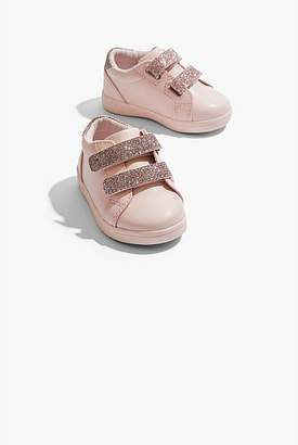 Country Road Two Strap Sneaker