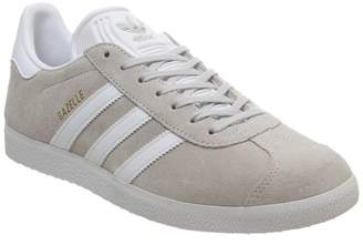 5bc9beaffb3dc adidas Gazelle Trainers Grey Cloud White Gold Metallic