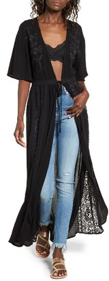 Women's Sun & Shadow Lace Inset Duster $55 thestylecure.com