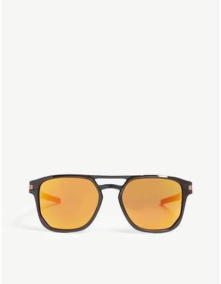 Oakley OO9436 Latch Beta square-frame sunglasses