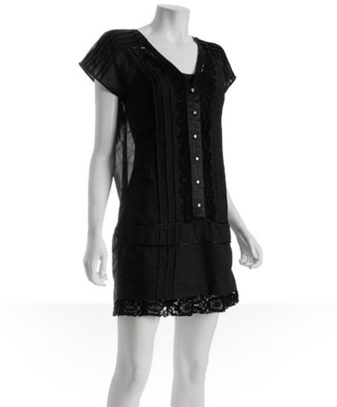 Development black pintuck cotton v-neck dress
