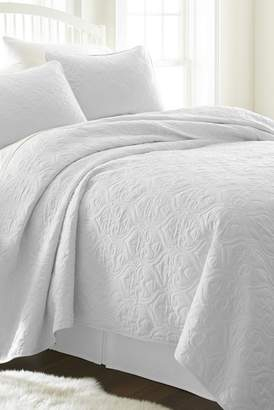 IENJOY HOME Home Spun Premium Ultra Soft Damask Pattern Quilted King Coverlet Set - White