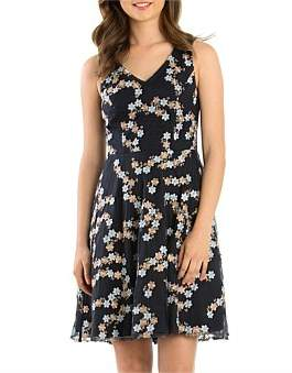 Review Daisy Babe Dress