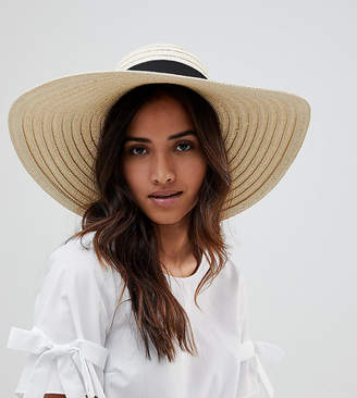 South Beach Oversized Bow Straw Hat