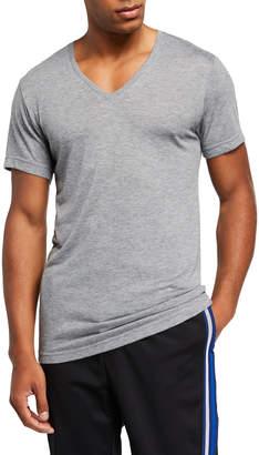 2xist Men's Activewear V-Neck Core Mesh T-Shirt