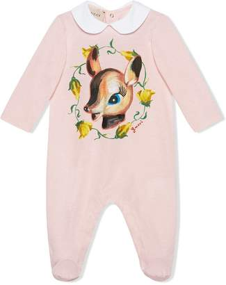 Gucci Kids Baby sleepsuit with fawn print
