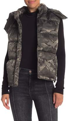 KENDALL + KYLIE Kendall & Kylie Camo Sleeveless Puffer Jacket