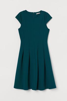 H&M Knee-length Dress - Green