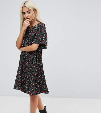 Yumi Petite Cape Detail Dress In Small Floral Print