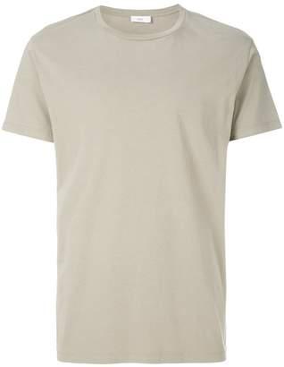 Closed round neck T-shirt