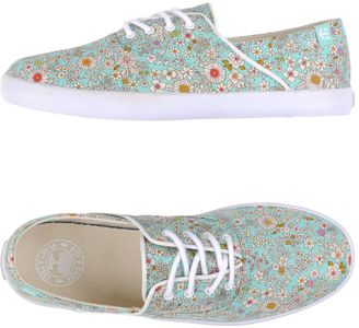 ETNIES Sneakers $69 thestylecure.com